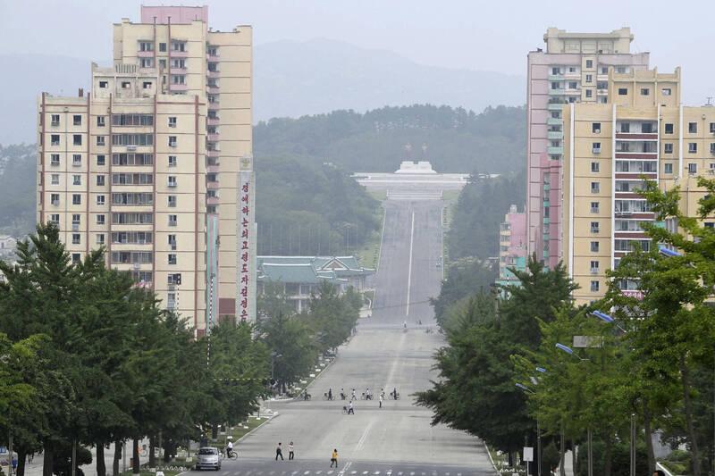 世界衛生組織(WHO)一名官員表示,上月從南韓「返北」的男子,武漢肺炎檢測結果「無定論」。圖為開城市景。(美聯社)