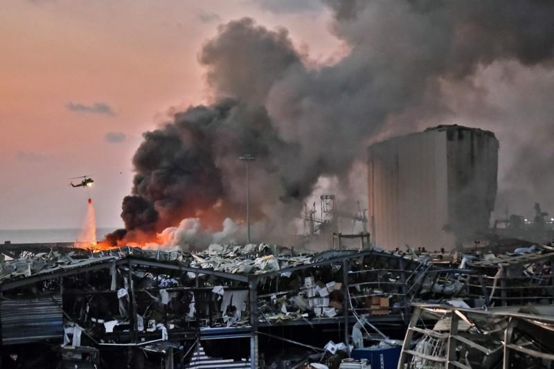 黎巴嫩首都貝魯特港口地區4日發生大爆炸,死傷人數持續增加,官員指目前死亡人數已超過70人,受傷人數也增至超過4千人。(法新社)