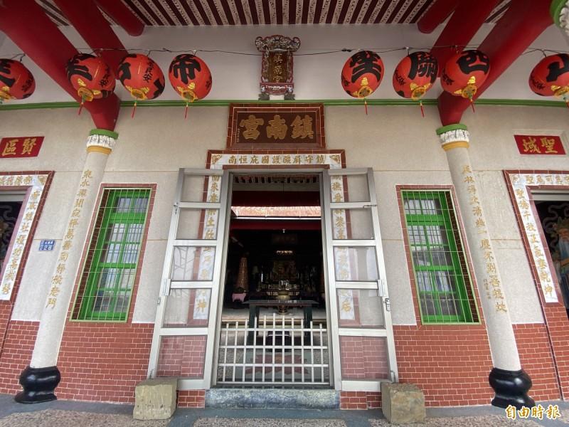 鎮南宮是恆春鎮重要信仰中心。(記者蔡宗憲攝)