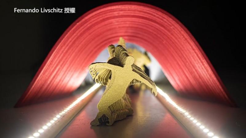 木板做的舞者身後出現美麗殘影。(Fernando Livschitz 授權)