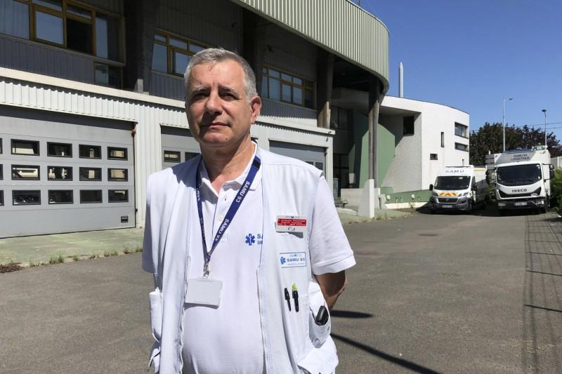 法國醫師普魯多姆(Christophe Prudhomme)說,「我們缺乏進行檢測人員。如果我們不要求動員所有醫務人員,那就會沒有足夠人手。」(美聯社)