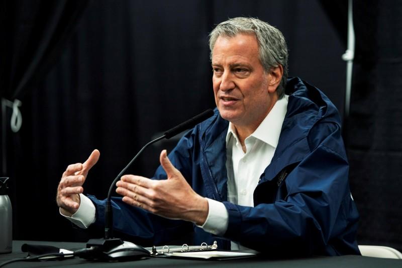 紐約市長白思豪5日宣布,將設立檢查站以防止其他州疫情傳至紐約。(路透資料照)