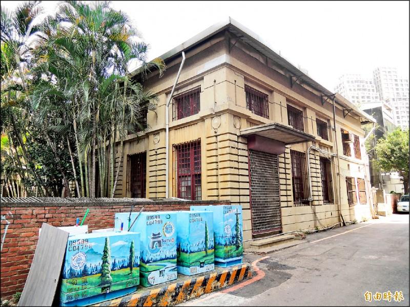 新竹市私有市定古蹟新竹州圖書館已完成主體修繕,預計10月1日重新開館。(記者洪美秀攝)