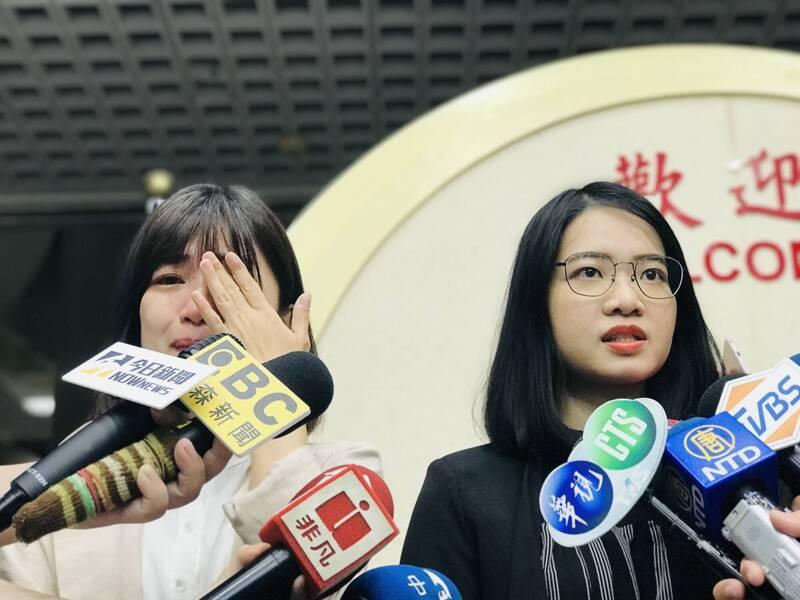 時代力量前黨主席徐永明涉收賄,導致台北市議員林穎孟(圖左)、黃郁芬(圖右)退黨。(資料照)