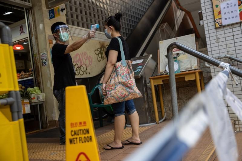 香港武漢肺炎確診案例顯著增加。(歐新社)