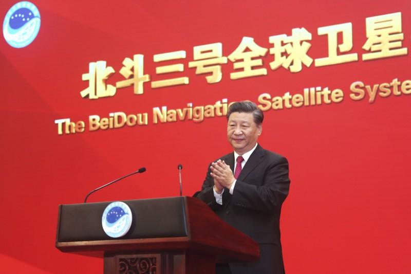 中國領導人習近平被寫進一本書裡,引發網友廣大討論。(美聯社)