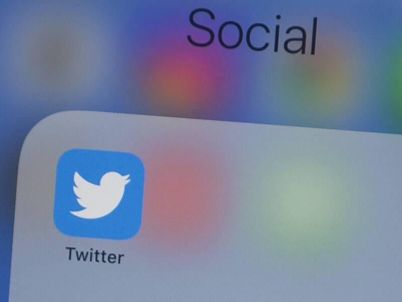 群媒體平台推特(Twitter)6日宣布,將開始在政府官員和國家附屬媒體的帳號添加新標籤。(法新社)