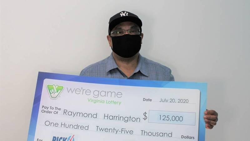 美國維吉尼亞州一名男子日前簽下25張相同數字的彩券,沒想到該數字中了5000美元(約台幣14萬元)獎金,也讓他的獎金直接翻25倍,抱回12萬5000美元(約新台幣367萬)。(擷取自推特)