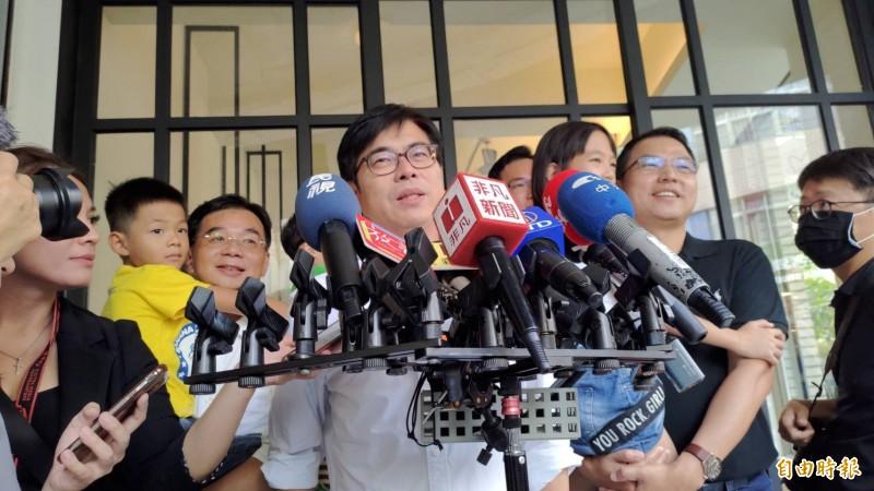 陳其邁認為談具體可行政策,會比拍MV更有票。(記者王榮祥攝)