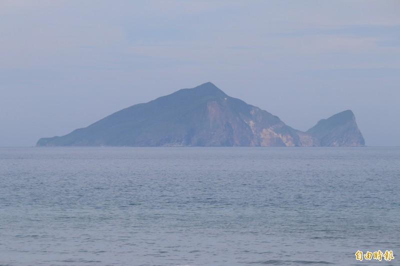 壯圍永鎮海邊拍到的龜山島,被攝影師譽為是龜型最美的龜山島。(記者林敬倫攝)