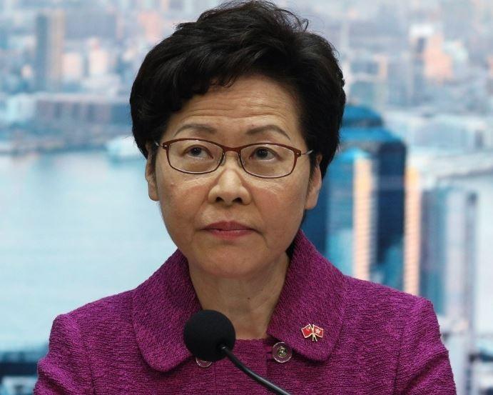 林鄭月娥在臉書PO文,批評美國連她的住址都搞錯,更嗆「並不嚮往到這個國家,看來(訪美簽證)也可主動註銷了」。(歐新社)