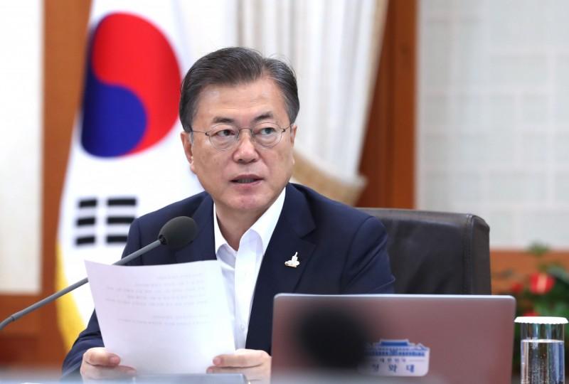 南韓總統文在寅的6名高級幕僚日前「集體請辭」,被認為是文在寅政府的危機。(歐新社資料照)
