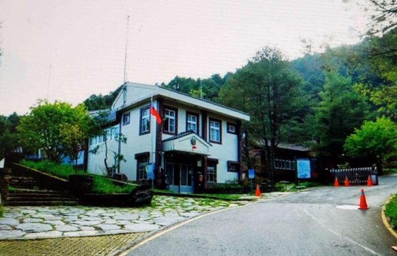 玉警隊塔塔加小隊辦公室設門禁管制山友入園攀登玉山主峰線。(記者謝介裕翻攝)