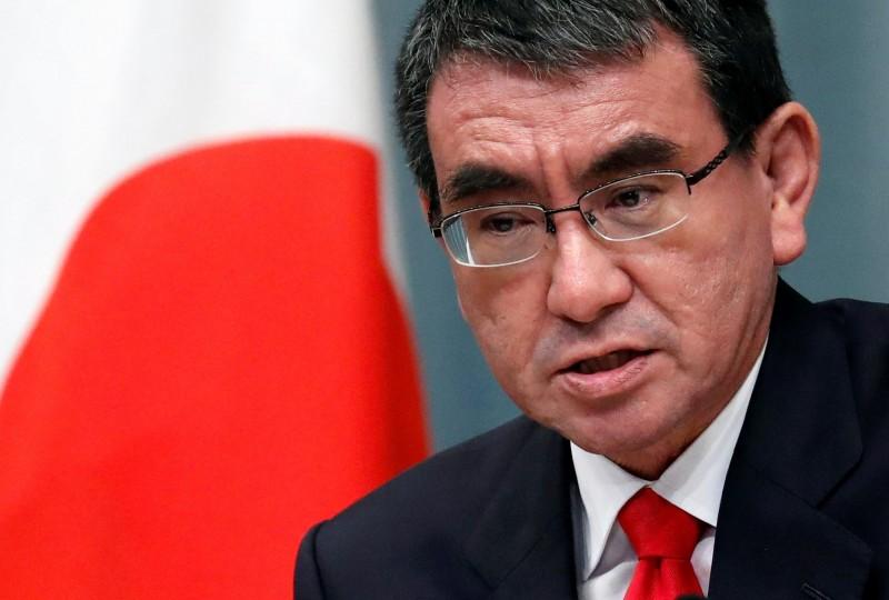 日本規劃成立陸上自衛隊電子戰部隊,對抗中國與俄羅斯在電子作戰的能力。圖為日本防衛大臣河野太郎(路透)