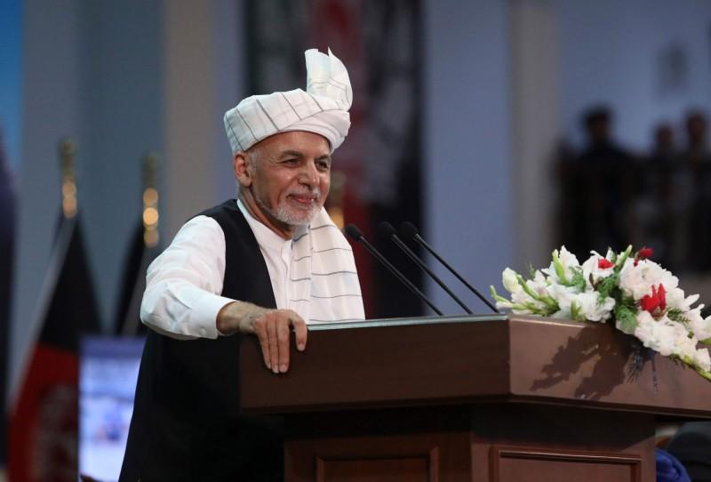 阿富汗總統甘尼(見圖)出席支爾格大會(Loya Jirga)最後一日並發表談話。(法新社)