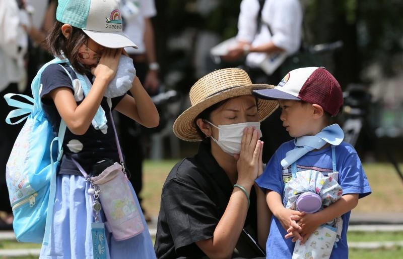 日本今日全國單日新增1351例確診案例,東京連4日確診案數超過300例。(歐新社)