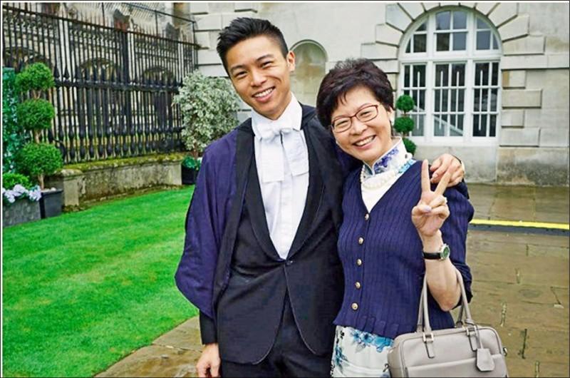 香港特首林鄭月娥被美國政府制裁前夕,在美國念書的次子林約希向室友表示,因家有急事必須緊急返港。(取自網路)