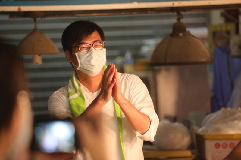 高雄市長候選人陳其邁(見圖)發表最新競選宣傳片,導演吳念真也親自獻「聲」相挺。(記者王榮祥翻攝)