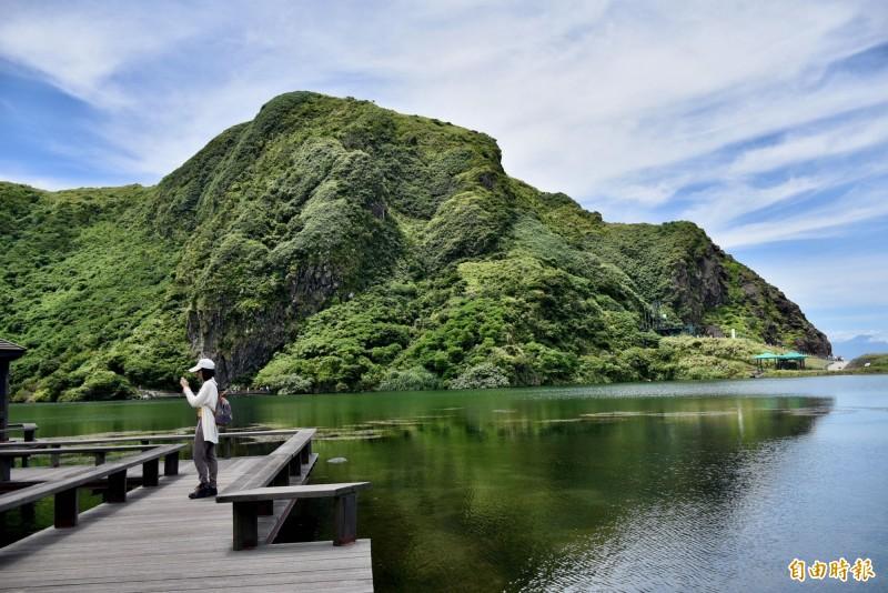 受颱風米克拉外圍環流影響,龜山島明天將封島1天。(資料照)