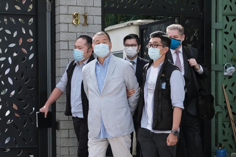香港「壹傳媒」集團創辦人黎智英今早被香港警方以違反香港國安法罪名逮捕。(彭博)