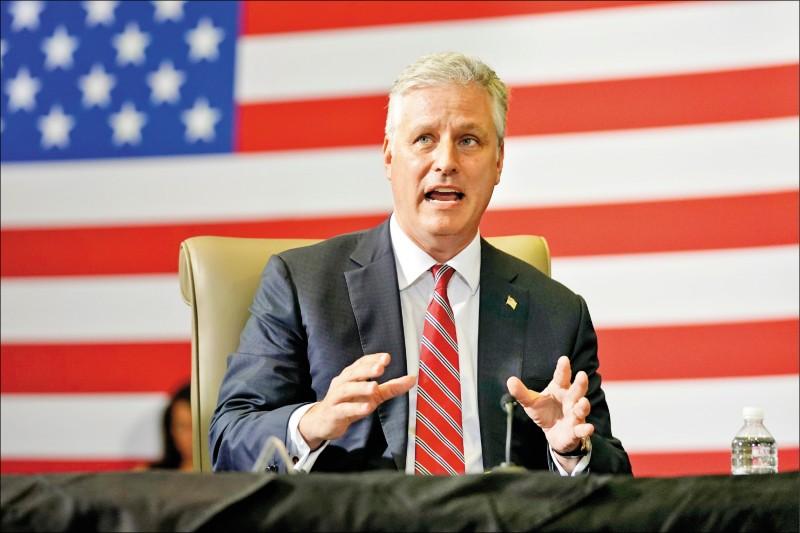 白宮國家安全顧問歐布萊恩上月在美國佛羅里達州朵拉(Doral)美國南方司令部一場反毒行動的簡報會上發言。(美聯社檔案照)