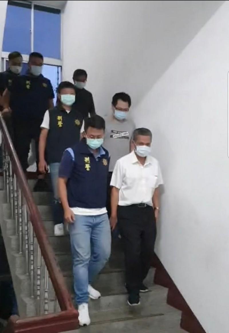 張男及員工7人涉犯詐欺、業務登載不實等罪嫌,被警方搜索帶回偵辦,檢方訊問後,分別1到15萬元交保。(記者彭健禮翻攝)