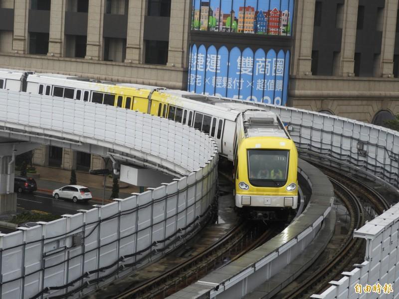捷運環狀線第一階段年初開通,有網友好奇感覺環狀線都沒有甚麼人在搭乘。(資料照)