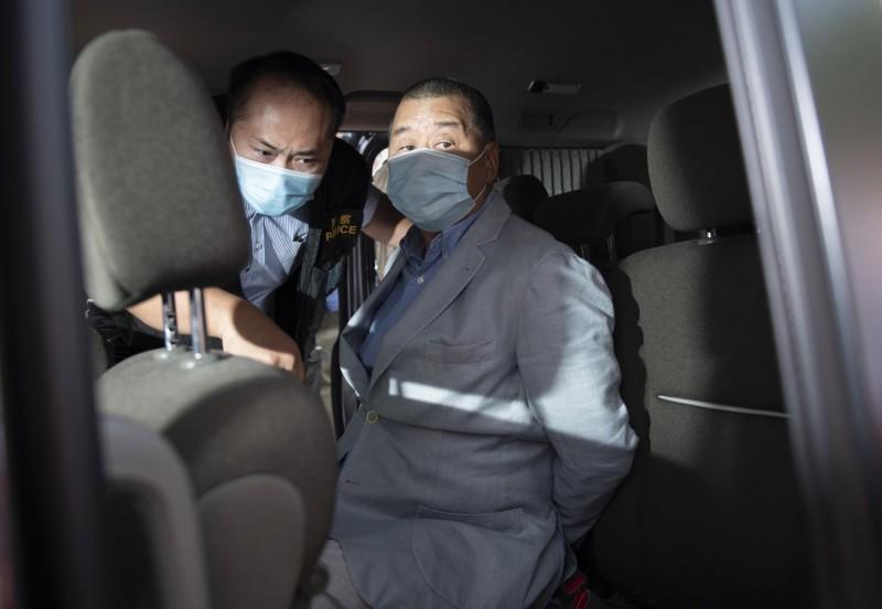 黎智英昨日突被港警以違反香港國安法逮捕。(歐新社)