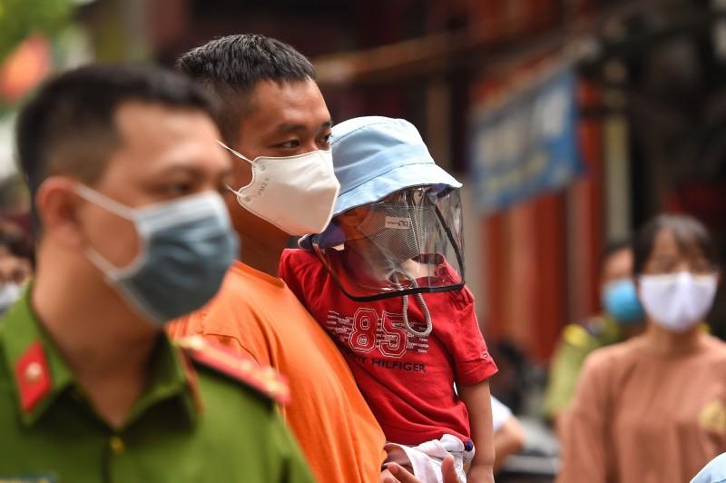 越南正努力遏制最新一波武漢肺炎疫情,至今已880例確診、17例死亡。(法新社)