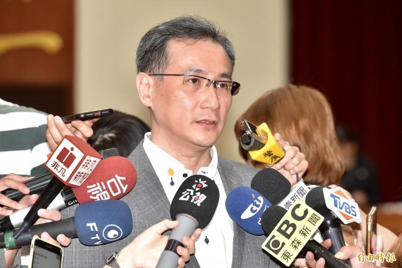 民進黨立委鄭運鵬認為,普世價值的聲援香港是惠而不費,若台灣的政客連這種舉手之勞都不敢講,甚至開罵,那他也希望這樣的人選後就沒了。(資料照)
