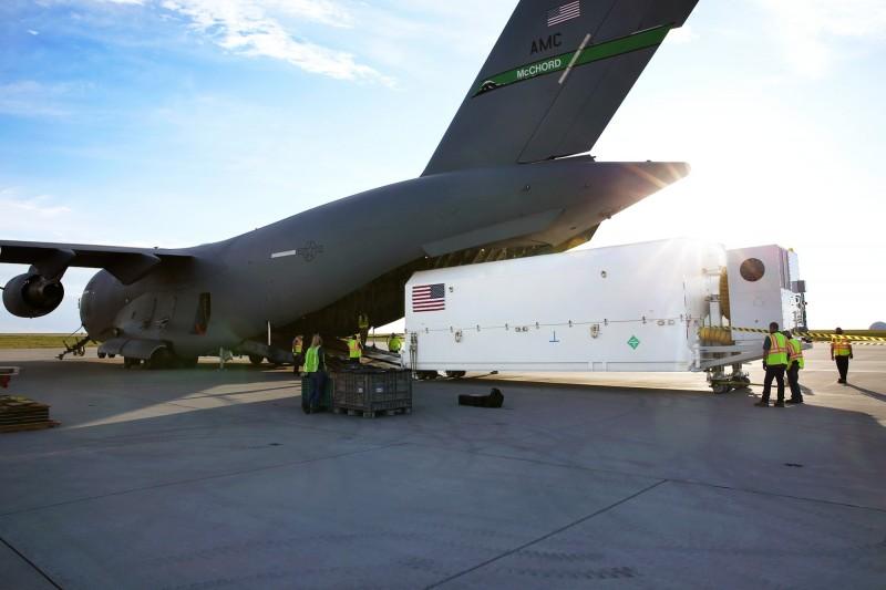 美國太空軍表示,已將第4枚第三代全球定位系統(GPS III)導航衛星(SV04)運至佛州卡納維爾角空軍基地,預計在9月發射升空。(照片取自美國太空軍網站)