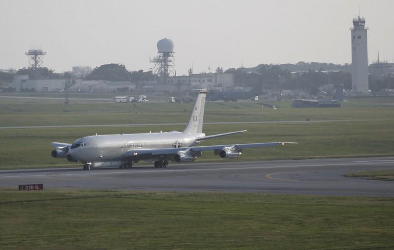 解放軍人士指出,美軍E-8C偵察機以民航機身分飛近廣州,批評美國此舉可能使周邊空域民用機陷入危險。(美聯社)