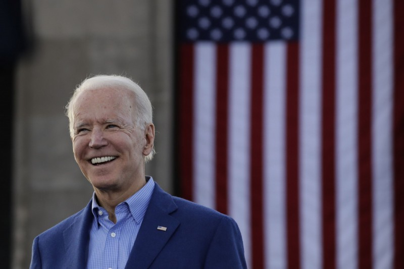 美國民調公司「拉斯穆森報導」10日公佈一份民調報告,顯示有近6成民眾認為,拜登就當選總統「可能」也撐不完第一任期,圖為拜登。(美聯社)