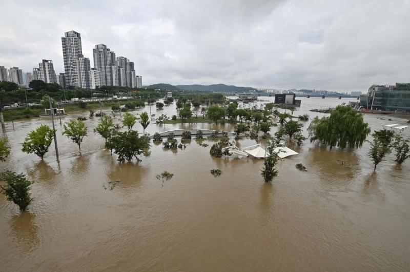 南韓梅雨災情嚴重。(法新社)