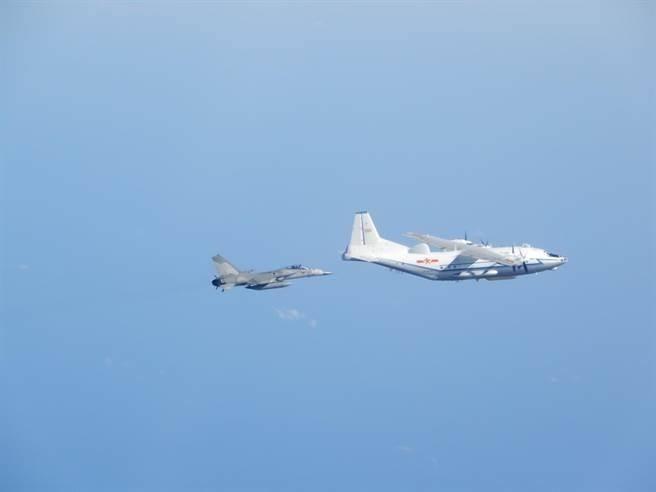 圖為國防部過去公布的我國軍機監偵共機照片。(資料照)