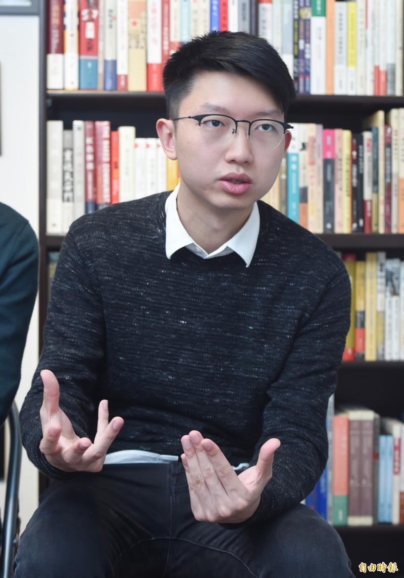 捕,前「民間外交網絡」發言人張崑陽今天(14日)也表示自己遭到多名不明人士跟蹤,且與跟蹤周庭的人相似。(資料照,記者廖振輝攝)