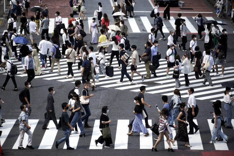 日本東京都今天新增389例確診。圖為東京街頭。(美聯社)