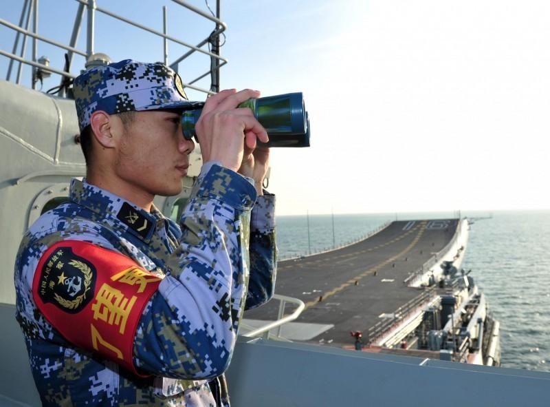 中國嗆聲近日多軍種要在台灣海峽和南北兩端實戰化演練。(路透)