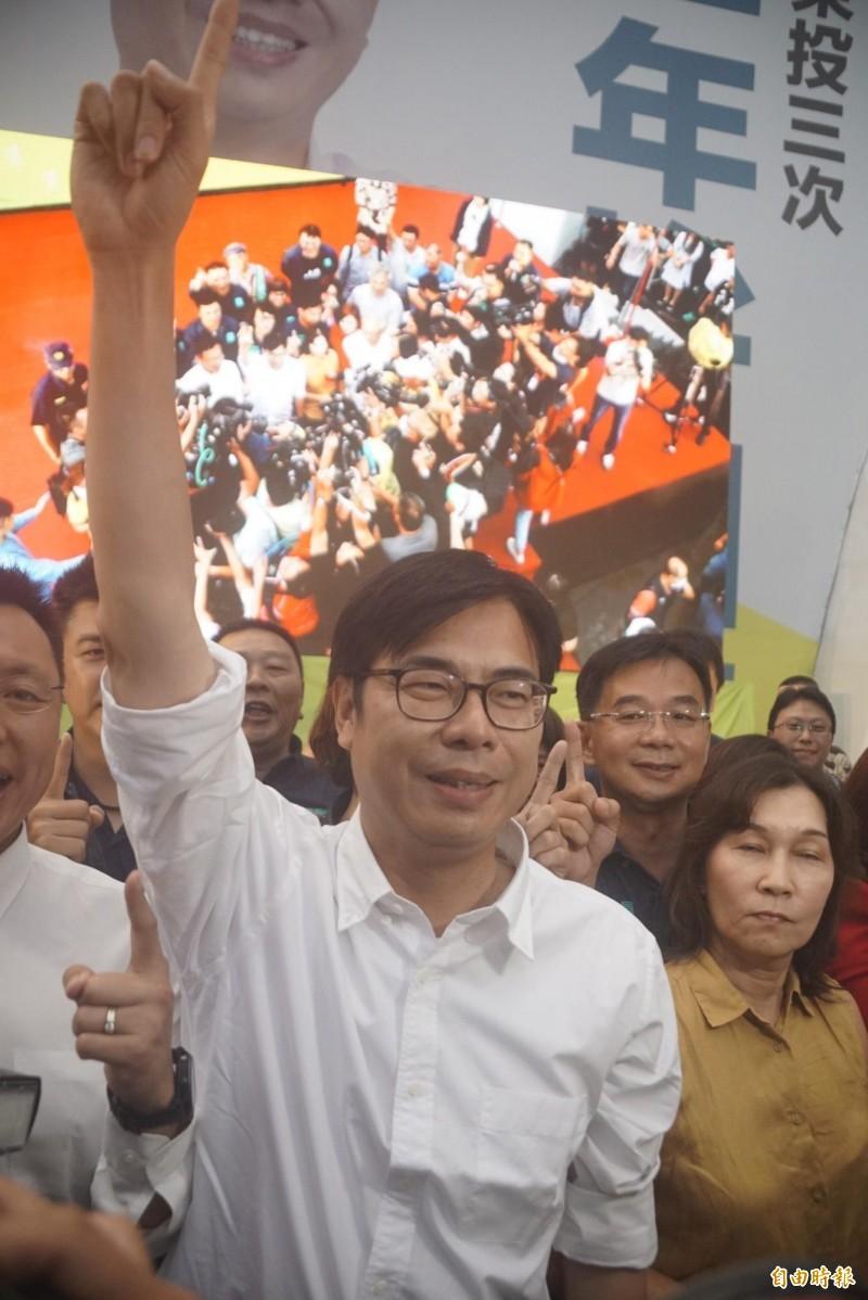 民進黨陳其邁囊括7成選票,光榮贏得高雄市長補選一役,發表當選感言。(記者黃佳琳攝)