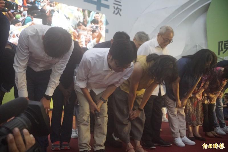 民進黨陳其邁囊括7成選票,光榮贏得高雄市長補選一役。(記者黃佳琳攝)