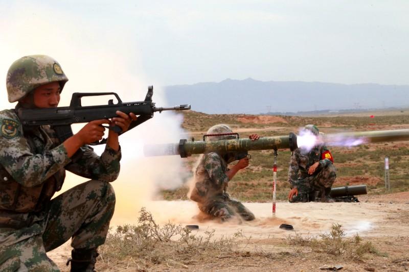 美國中情局前副局長莫瑞爾指出,中國可能利用美國總統交接期間武統台灣。圖為中國解放軍軍演。(路透資料照)