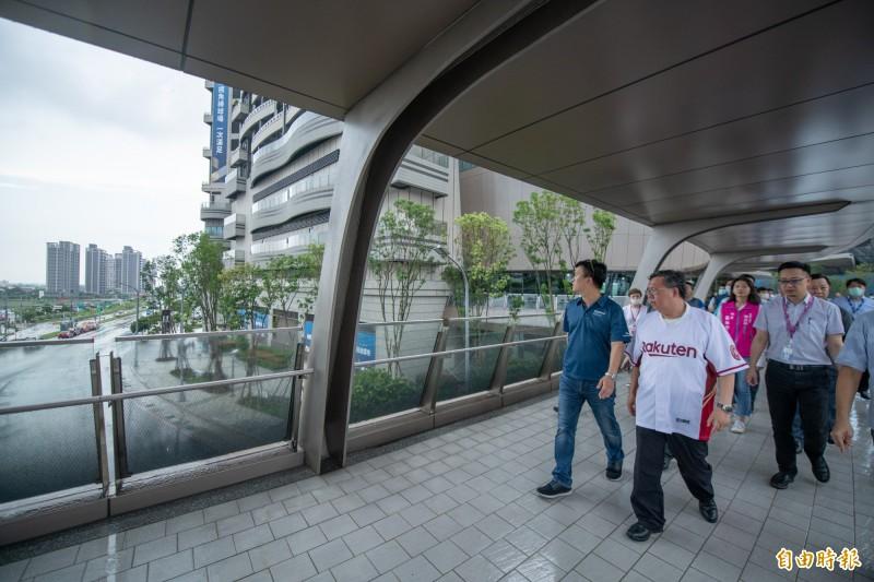 青埔人氣超夯 A19空橋即起串連欣賞球賽、購物與娛樂
