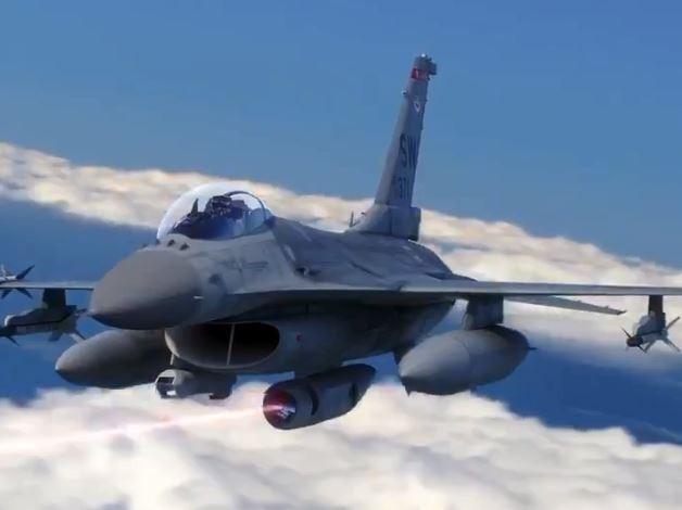 洛克希德馬丁的模擬影片中,F-16以雷射武器系統擊落飛彈。(圖擷取自推特)