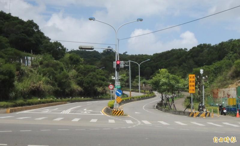 苗栗市聯大路是國立聯合大學二坪、八甲2個校區的聯絡要道,惟沿線坡陡多彎,致車禍頻傳。(記者張勳騰攝)