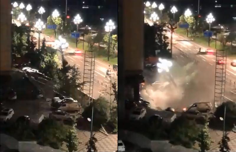 中國四川宜賓一處路面突塌陷,21輛車直墜巨坑中。(圖截自Twitter影片)