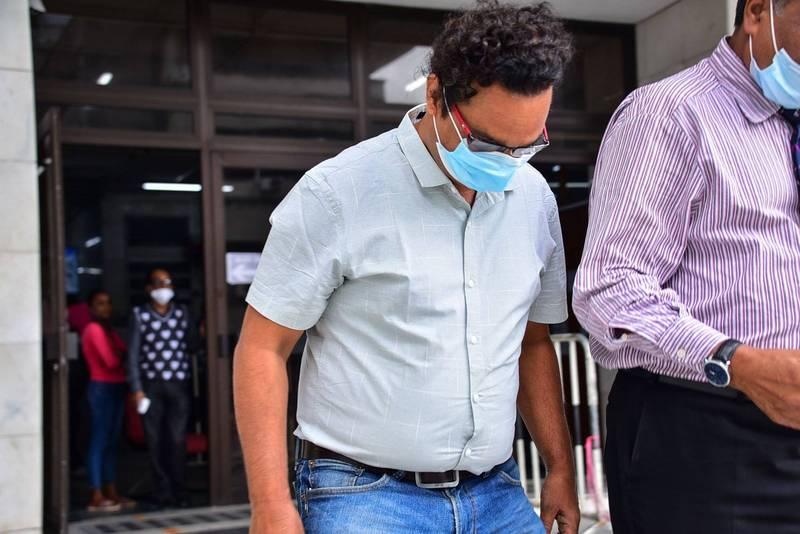 模里西斯警方以涉嫌違反安全航行原則為由,逮捕了日本三井集團大型油輪「若潮號」印度籍船長和斯里蘭卡籍副船長。圖為印度籍船長。(法新社)