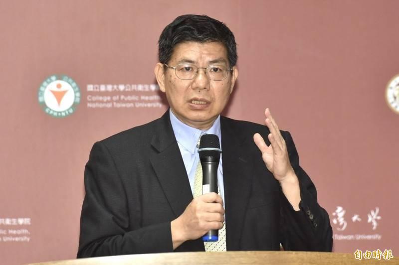 台大公衛學院前院長詹長權感嘆說,「看不懂政府為什麼這麼做?台灣怎麼了?很難過!」(資料照)