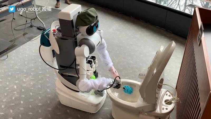 ugo本來是開發投入於協助雙薪家庭與老年人清潔居家環境的機器人。(圖片由Twitter帳號ugo_robot授權提供使用)