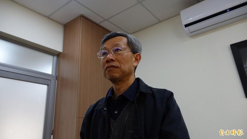 彰化縣衛生局長葉彥伯針對今天指揮官陳時中的說法,只強調靜待調查。(記者劉曉欣攝)
