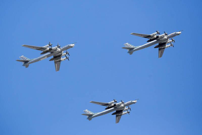 包括2架Tu-95MS戰略轟炸機在內,昨日有多架俄國軍機在日本海一帶活動。圖為俄羅斯Tu-95MS戰略轟炸機(彭博)